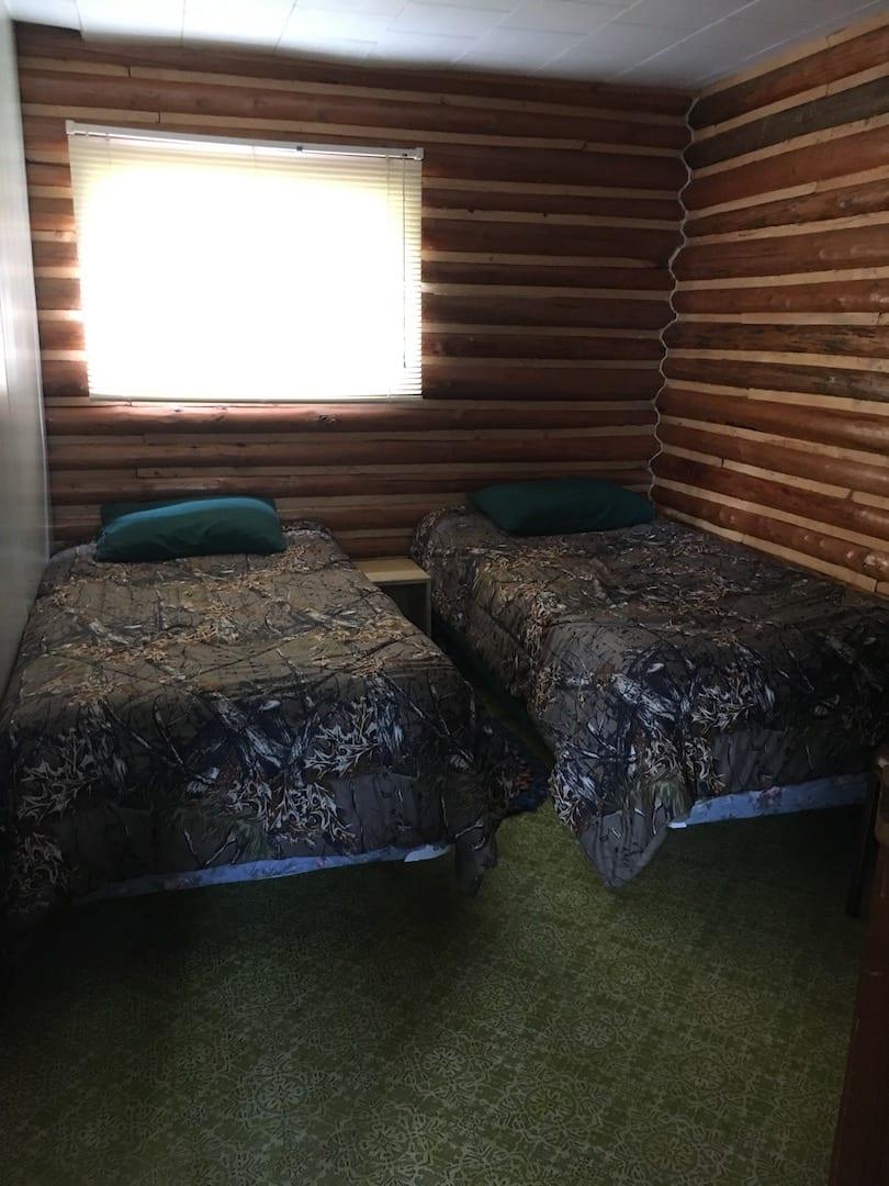 Cabin 10 - 10