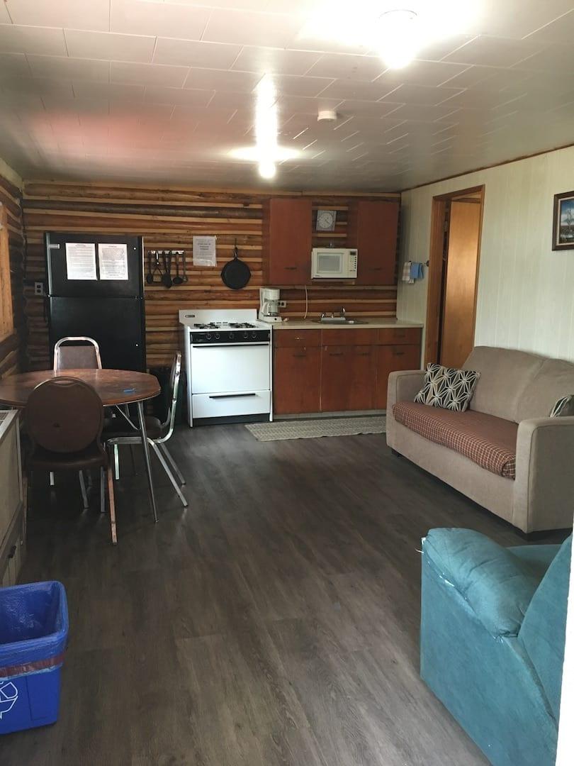Cabin 10 - 6