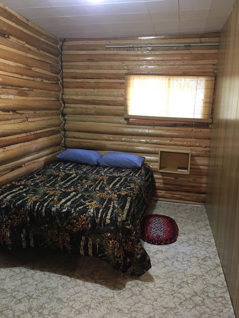 Cabin 11 - 10