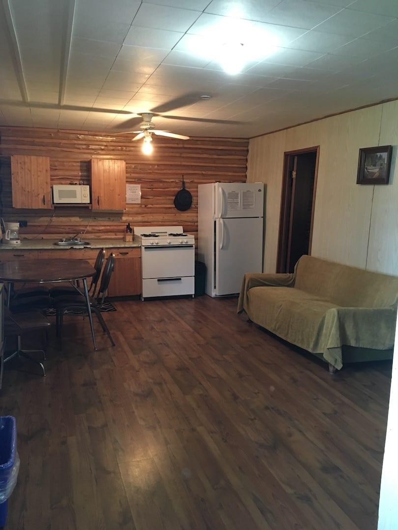 Cabin 11 - 8