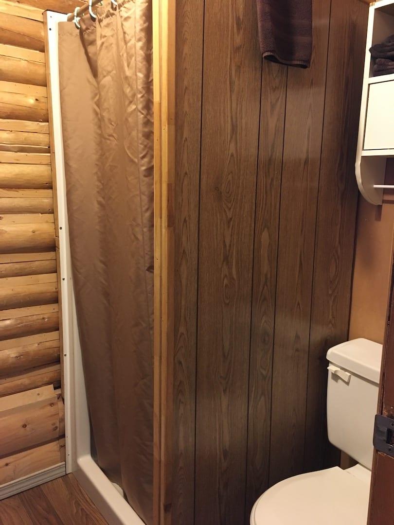 Cabin 12 - 4