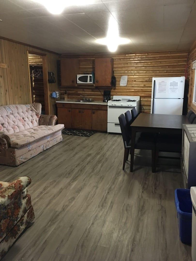 Cabin 8 - 8