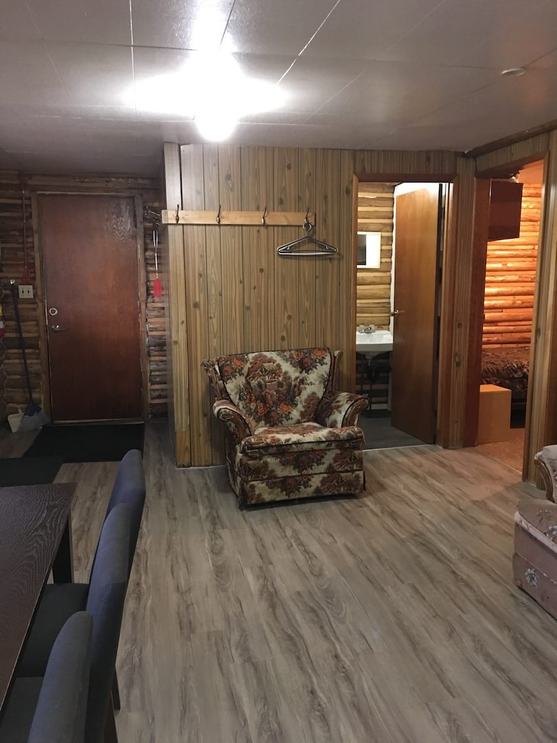 Cabin 8 - 9