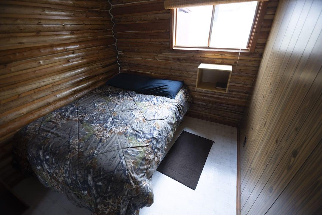 Cabin 9 - 3
