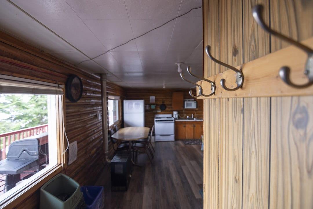 Cabin 9 - 7